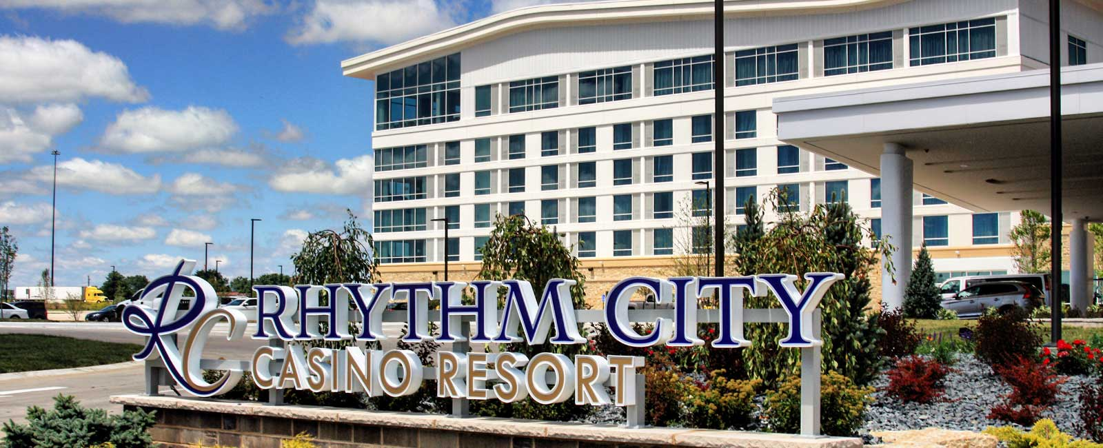Rhythm city casino tri city electric for 5 star salon davenport ia