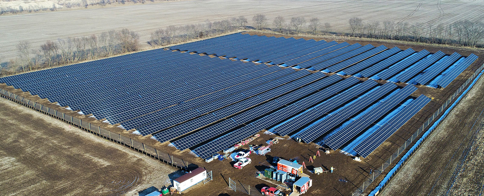 Community-Solar-Farm.